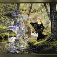 Девушка во сказочном лесу из дикими лебедями.