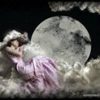 Спящая во облаках